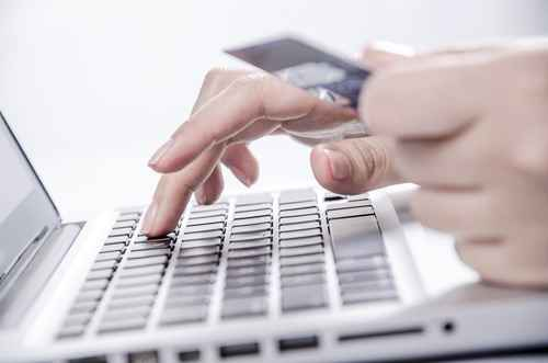 While Phone Credit Card Processing Apps May Hurt, Rather Than Help Your New Business